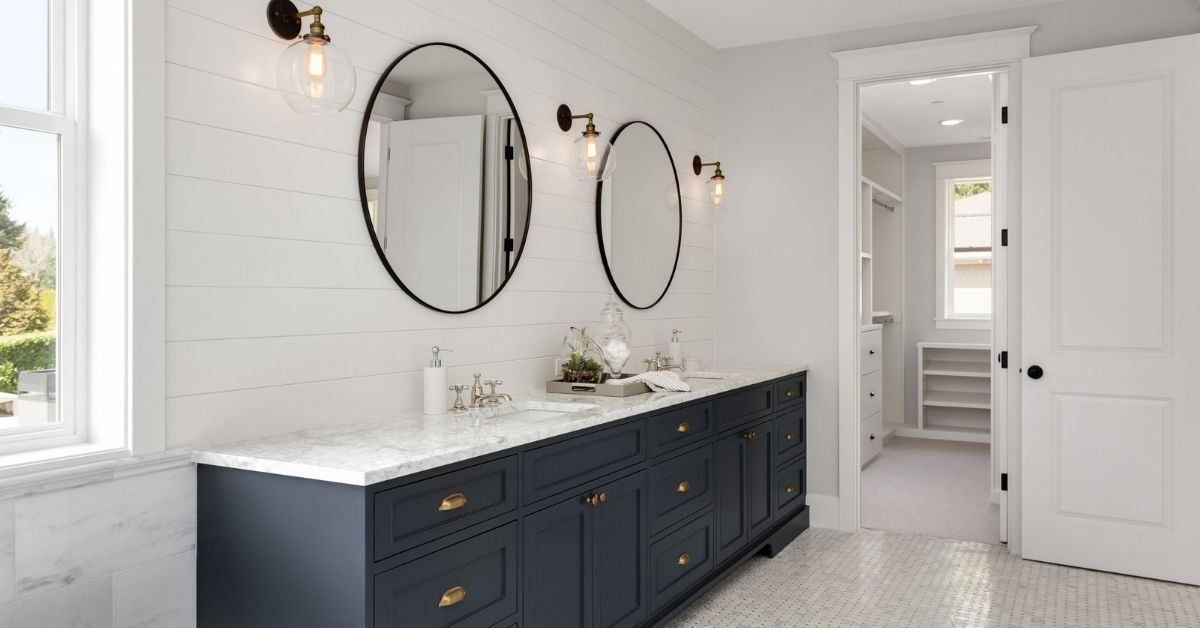 outlet height for bathroom